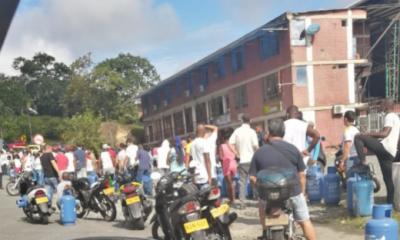 Largas filas ante la llegada de gas por cilindro en Buenaventura – Noticias Al Punto Buenaventura