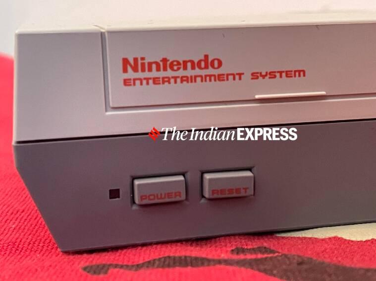 Apple Macintosh, Macintosh 1984, Nintendo Entertainment System, NES, Nintendo Game Boy, Atari, Sony Walkman, gadgets de los 80, los mejores gadgets de 1980, Sony Trinitron TV, reloj Casio Calculator