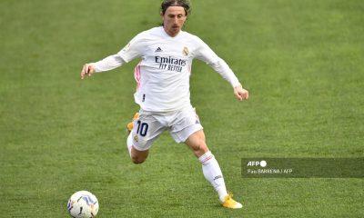 Real Madrid asegura la presencia de Modric una temporada más