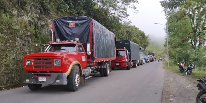Respaldan el paro nacional con bloqueo de la vía Circunvalar Galeras