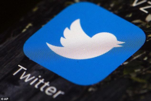 Deshacer el envío, supuestamente una herramienta incluida en 'Twitter Blue', podría reducir el abuso verbal en la plataforma al brindar a los usuarios la oportunidad de pensar dos veces (imagen de archivo)
