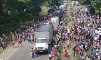 Saqueron vehículo con alimentos que iban para Buenaventura