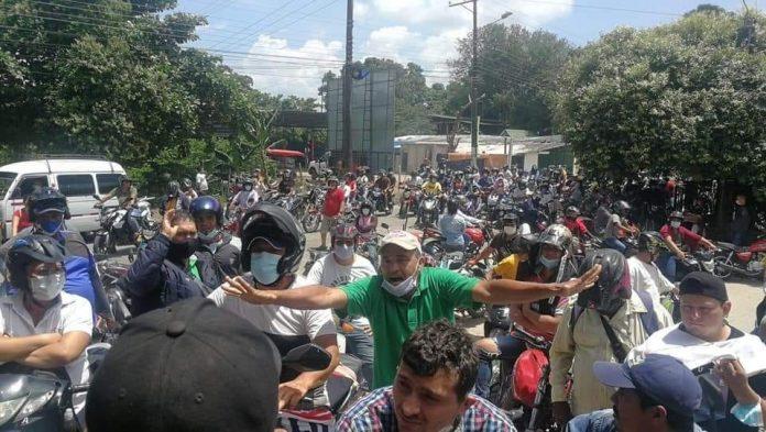 para tanqueo de gasolina. Motocicletas con placa venezolana se le exigirá el documento de internación vigente