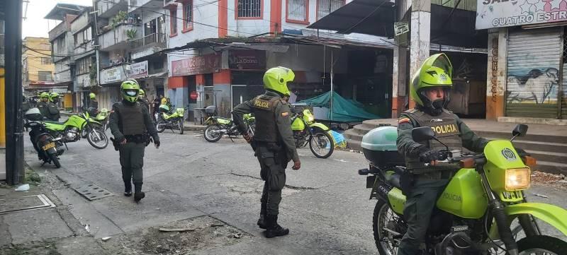 """""""150 vándalos saquearon bodegas en Buenaventura"""": Diego Molano"""