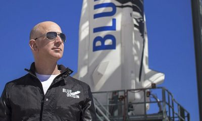 ¡Fuera de este mundo! Mystery Adventurer paga £ 20 millones para hacer un viaje al espacio con Jeff Bezos
