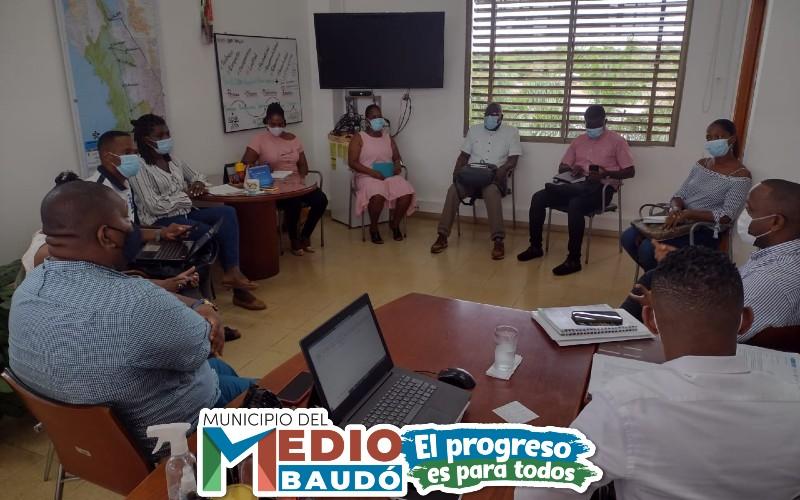 Alcalde del Medio Baudó sostuvo importante encuentro interinstitucional con el director regional del SENA, con el fin de conocer el portafolio de servicios que ofrece la entidad.