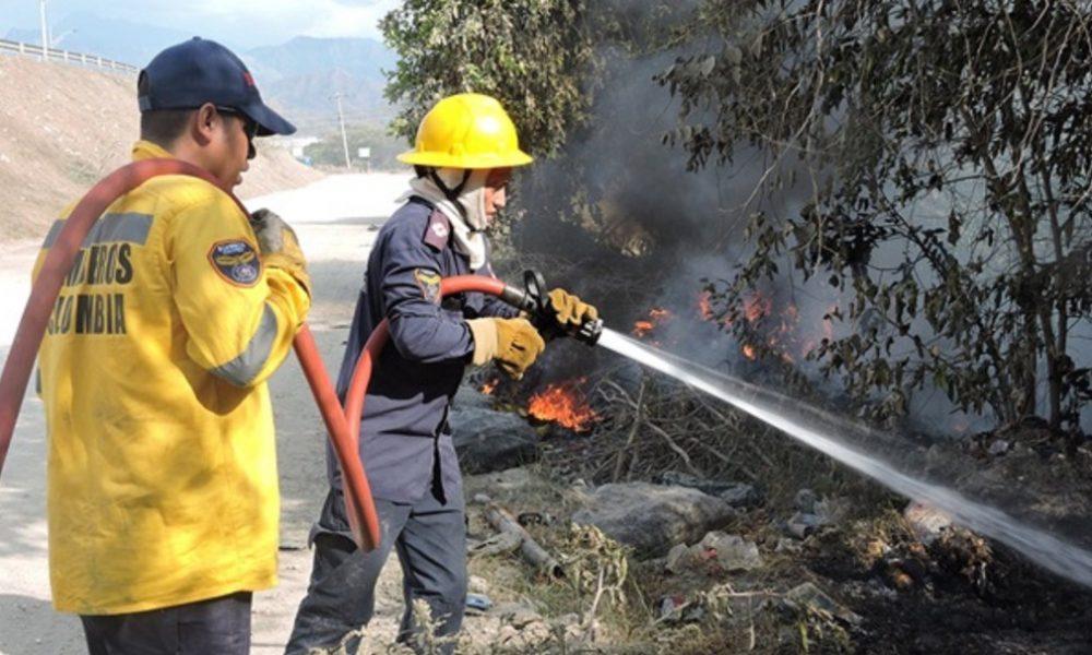 Bomberos de Ciénaga no cuentan con agua porque les cortaron el servicio