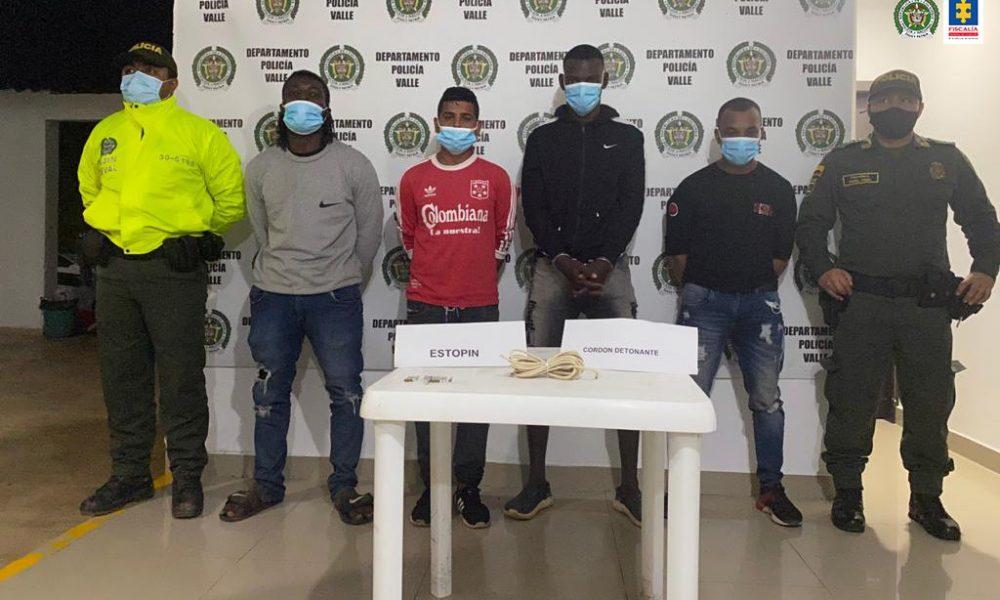 Cárcel para cuatro presuntos responsables de lanzar artefacto explosivo contra subestación de Policía Nacional