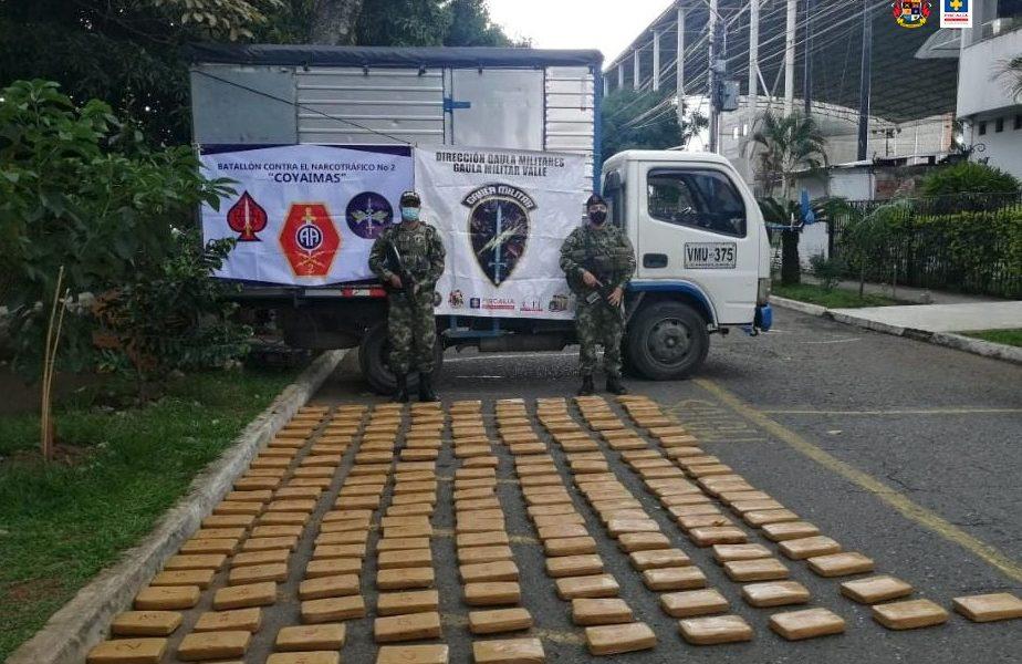 Cárcel para dos hombres que presuntamente transportaban 181 kilos de cocaína en un camión