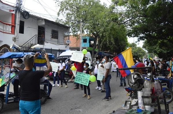 Comunidad se tomó las calles de Gaira: exigen la construcción del puesto de salud
