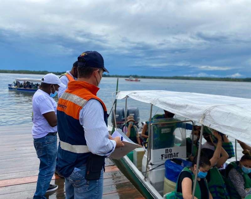Dimar lidera encuentros con funcionarios del muelle turístico del Distrito de Buenaventura del Distrito de Buenaventura
