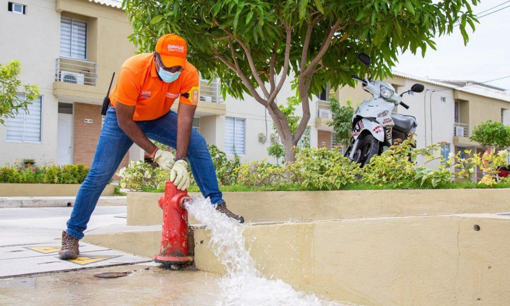 Essmar realiza purgas diarias para mejorar la calidad del agua en el Distrito