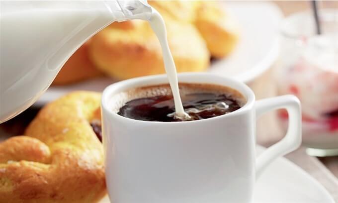 Exceso de cafeína podría incrementar el riesgo de sufrir de ceguera