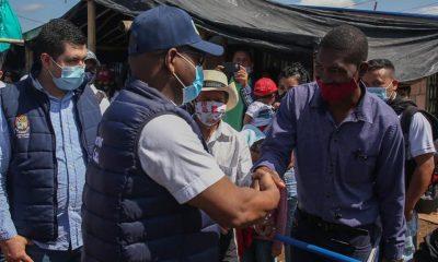 """Gobernador del Cauca dialoga con la comunidad del """"Eco barrio Sinaí"""""""
