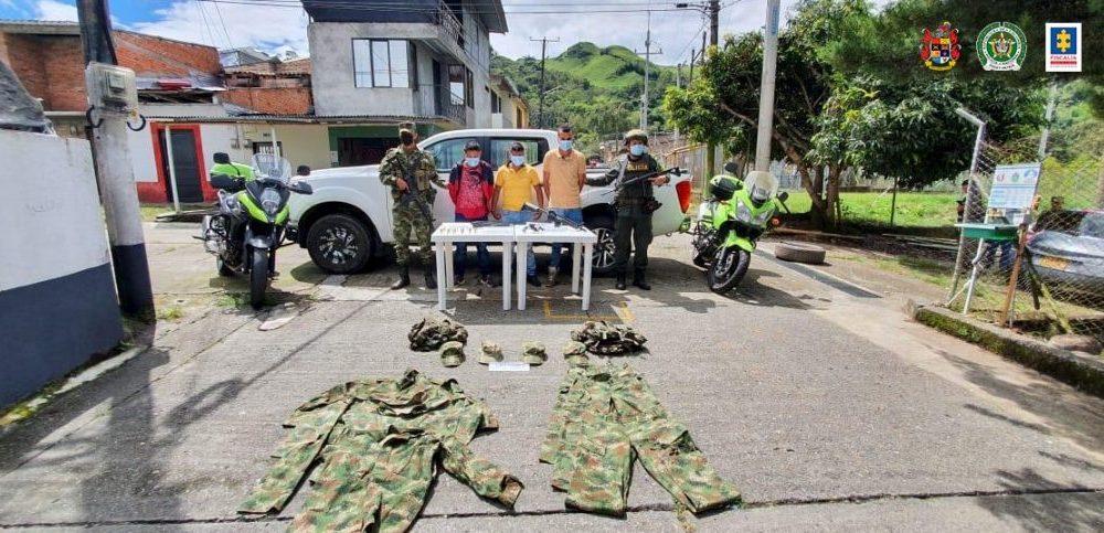 Judicializados tres hombres como presuntos responsables de transportar armas de fuego y otros elementos de uso privativo en el Cauca