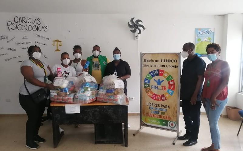 La Secretaría de Salud Departamental, a través del Programa de Tuberculosis y Lepra, hizo entrega de mercados a pacientes diagnosticados con esta enfermedad.