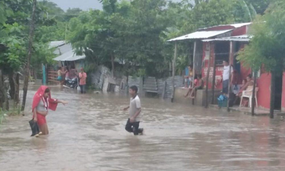 Lluvias provocan desbordamiento de arroyos e inundaciones en Sincelejo
