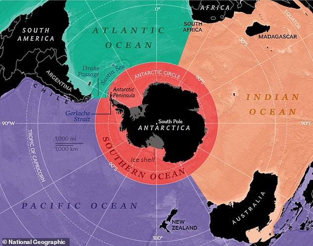 Los cartógrafos de National Geographic finalmente han reconocido el Océano Austral de la Antártida en sus mapas, lo que eleva su recuento de océanos de la Tierra a cinco.  En la imagen: el Océano Austral (en rojo) rodea la Antártida y colinda con los océanos Atlántico, Índico y Pacífico