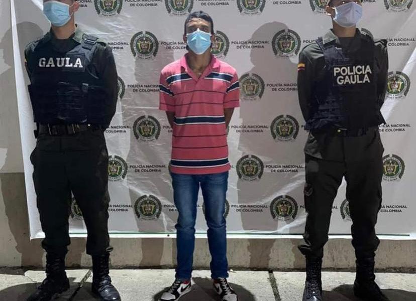 Por extorsión a comerciantes de plaza de mercado envían a la cárcel a presunto implicado