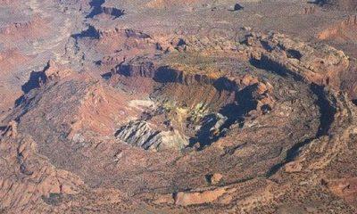 El cráter Boltysh (en la foto) es un cráter de impacto, también conocido como 'astroblema', en Ucrania.  Tiene 15 millas (24 km) de diámetro.