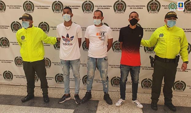 A la cárcel 3 venezolanos investigados por ataque a una estación y a uniformados de la Policía durante manifestaciones violentas en Medellín