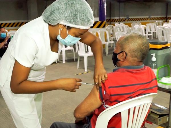 Alcaldía de Cali busca vacunar a mayores de 12 años