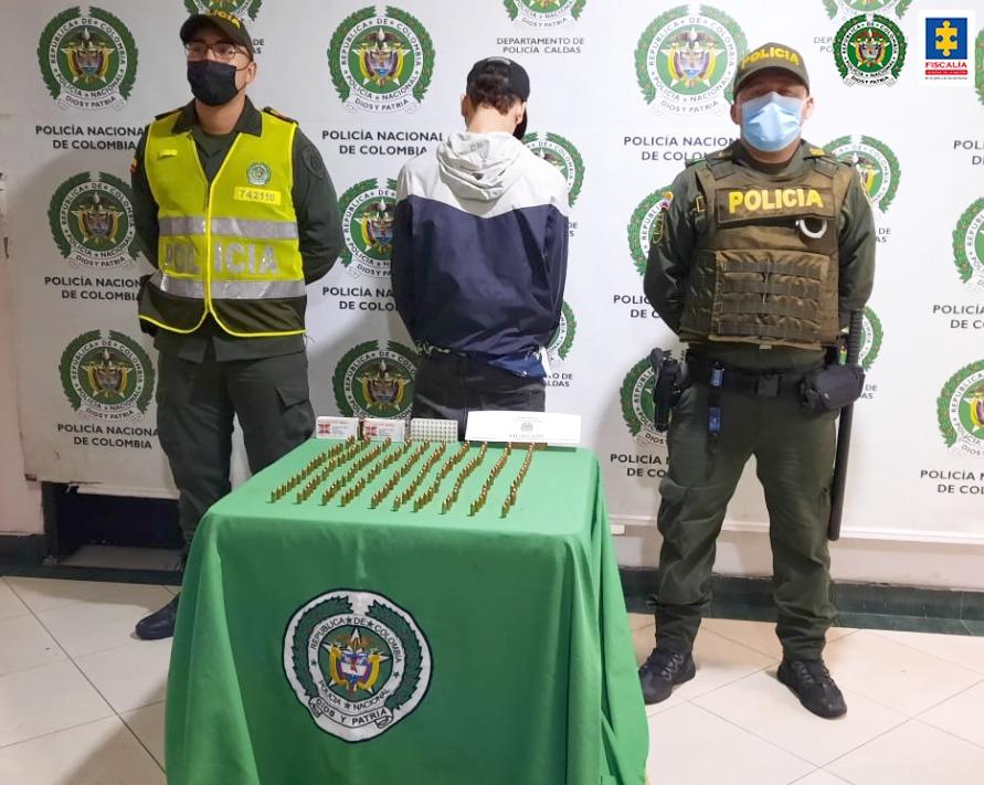 Cárcel para un hombre que al parecer portaba en una maleta munición para armas de fuego