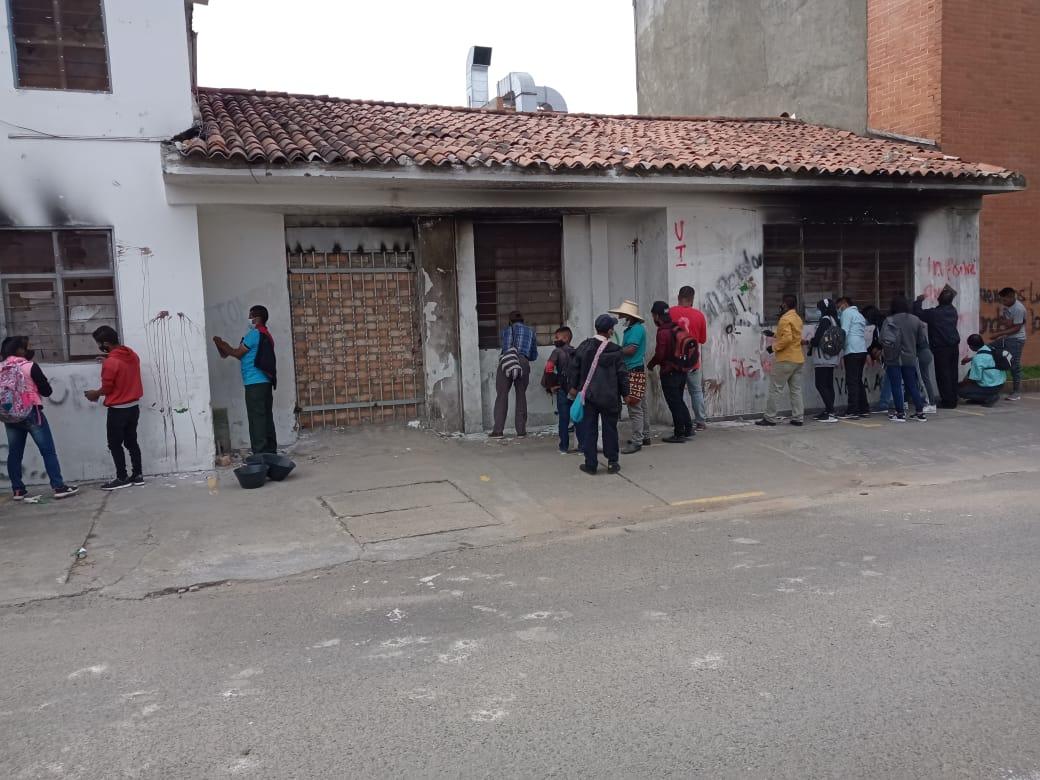 De los Cabildos indígenas independientes dicen ser un grupo de personas que llegaron a reparar la URI en Popayán