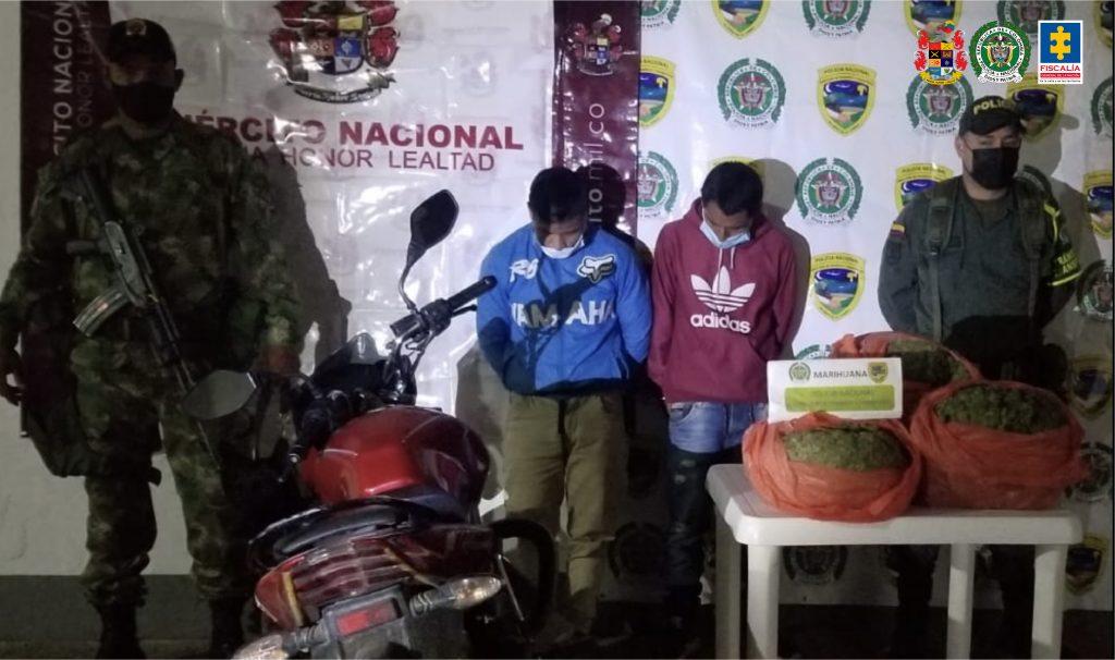 Dos hombres fueron enviados a prisión por, presuntamente, transportar más de 8 kilos de estupefacientes