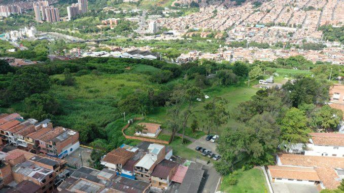 EN FOTOS: Este es el lote que entregó la Nación para que se construyan 3000 viviendas VIS y VIP en Medellín