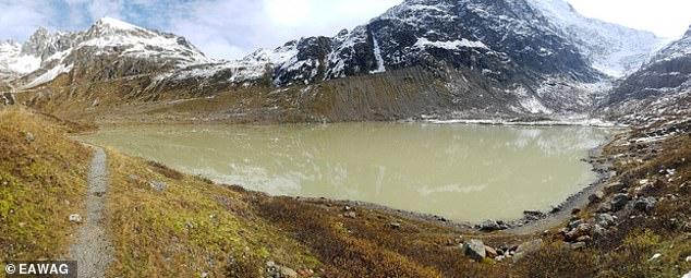 El cambio climático ha alterado drásticamente los Alpes suizos al transformar los glaciares en casi 1200 nuevos lagos desde 1850, y 1000 de ellos todavía existen en la actualidad.  En la foto aparece Steisee, Cantón de Berna.