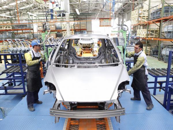 Exportaciones de autopartes desde Colombia podrían duplicarse, según experta | Infraestructura | Economía