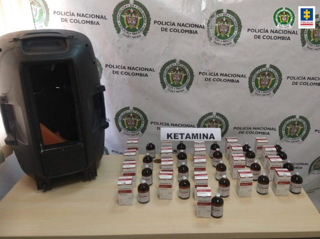 Fiscalía inició indagación por incautación de 2.1000 mililitros de ketamina camuflados dentro de un bafle en bus de servicio público