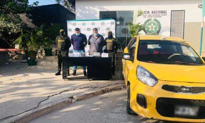 Fiscalía judicializó a dos hombres que al parecer transportaban clorhidrato de cocaína en un taxi