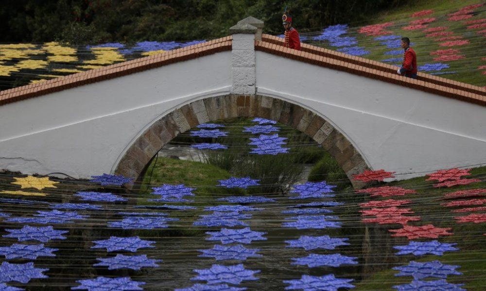 Guía turístico defendió 'a capa y espada' monumentos del Puente de Boyacá