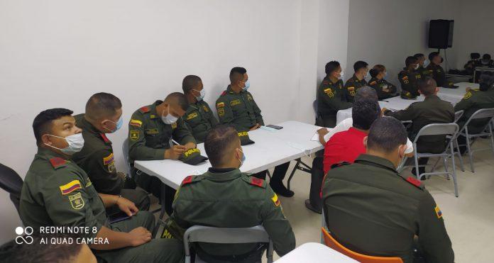 """""""Hablemos de policía"""" la métodologia para escuchar a uniformados y sus familias en proceso de transformación de la institución - Noticias de Colombia"""