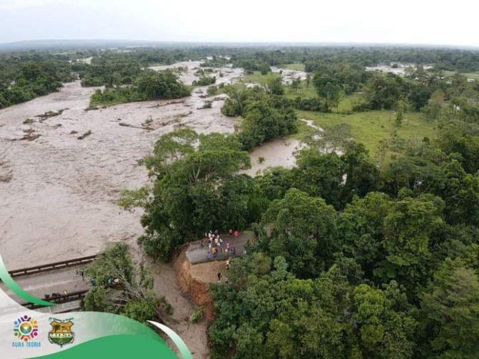 Incomunicada Arauca por caída de un puente vehicular