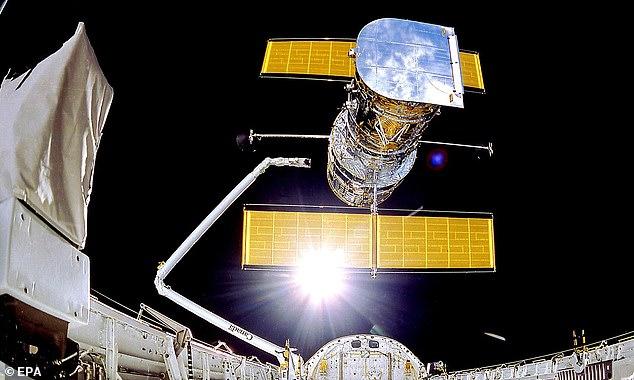 La NASA cambió con éxito el telescopio espacial Hubble a su computadora de respaldo, lo que podría permitirle reanudar las operaciones completas pronto.