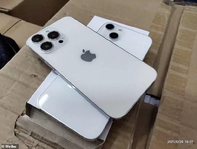 Las fotos que supuestamente eran de unidades ficticias del próximo iPhone 13 aparecieron en Weibo esta semana.  Indican que la cámara tendrá una lente diagonal y una protuberancia más grande