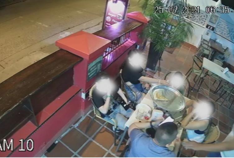 Se les dañó la 'vuelta' a los bandidos que atracaron a policía en restaurante