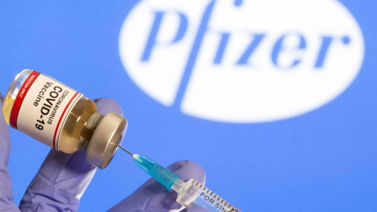 Una tercera dosis de la vacuna Pfizer está siendo aplicada en Israel