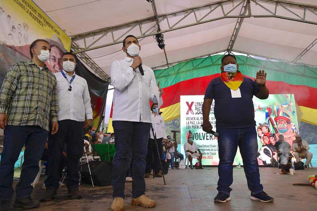 En medio de abucheos, Mininterior se retiró de congreso indígena en Buenaventura