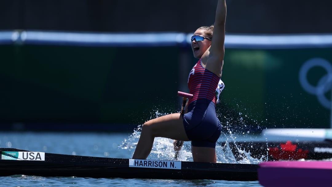 TOKIO, JAPÓN - 05 DE AGOSTO: Nevin Harrison del equipo de Estados Unidos reacciona al ganar la medalla de oro en la Final A de 200 m de canoa individual femenina el día trece de los Juegos Olímpicos de Tokio 2020 en Sea Forest Waterway el 05 de agosto de 2021 en Tokio, Japón.  (Foto de Naomi Baker / Getty Images)