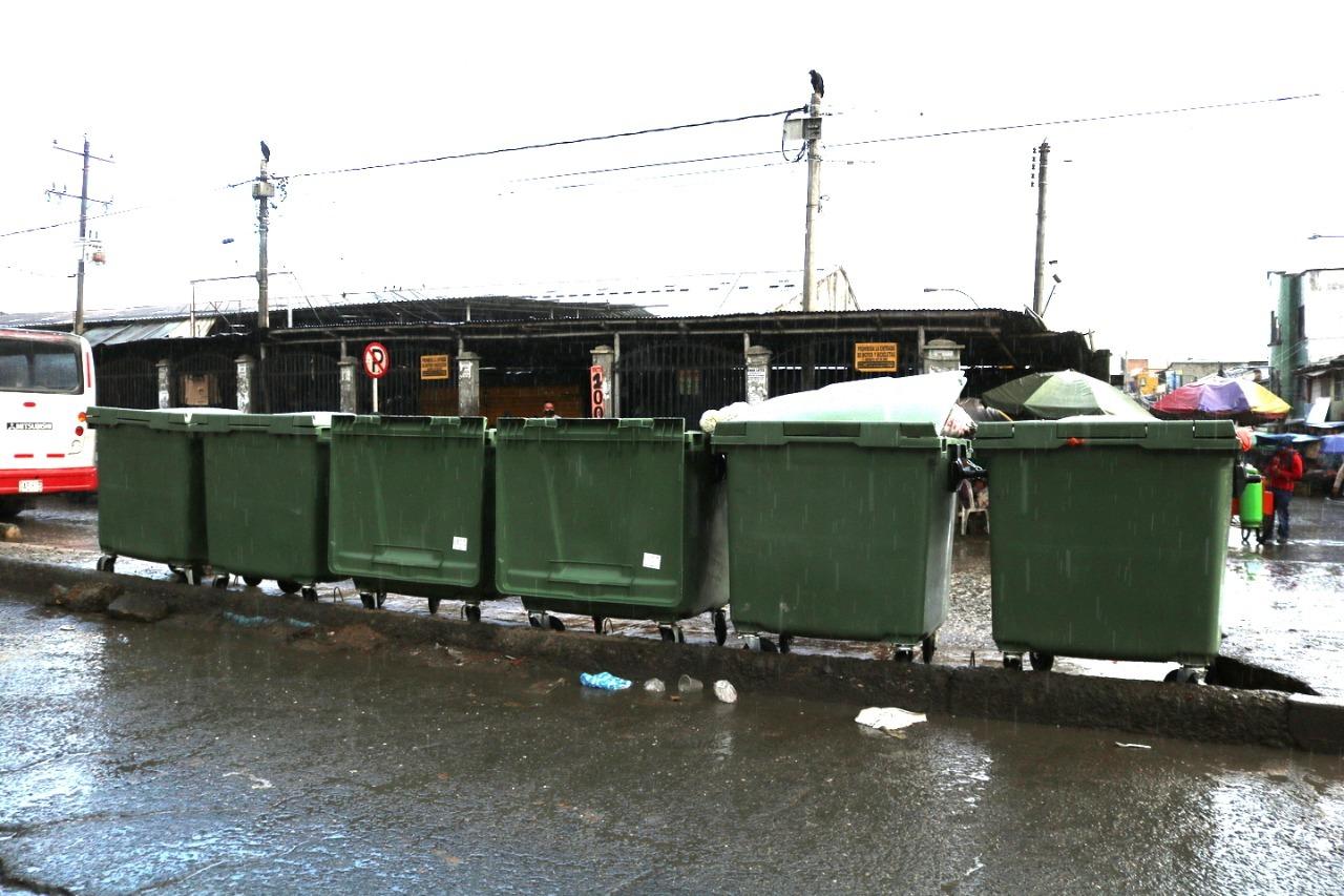 6 contenedores, solución temporal al tema de basuras en sector de la Esmeralda - Noticias de Colombia