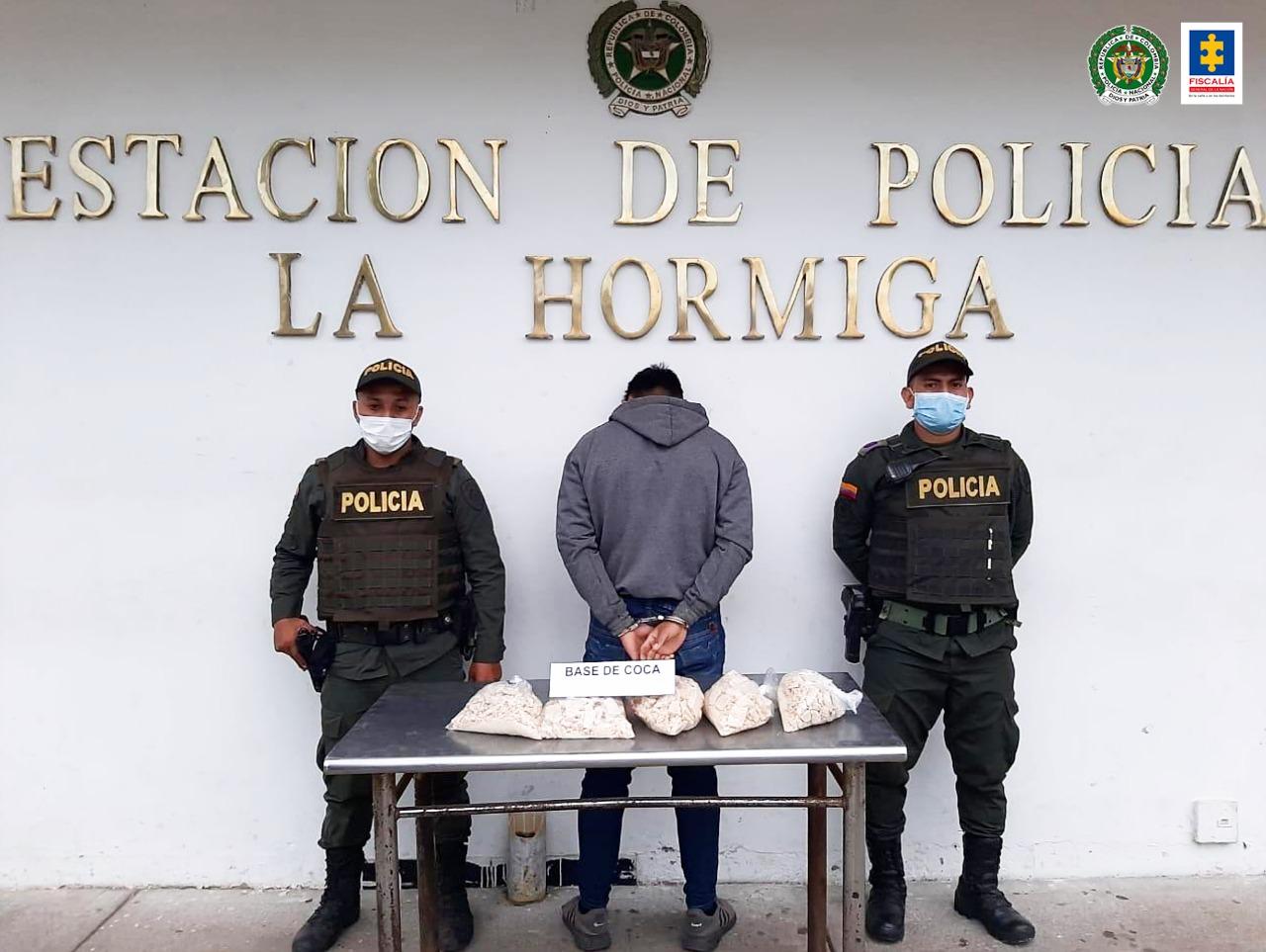Aseguradas cinco personas por porte de estupefacientes - Noticias de Colombia