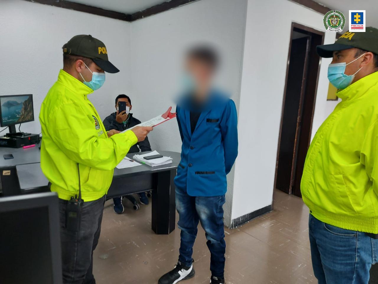 Cárcel para hombre que habría causado la muerte a su hijastro de 18 meses en Bogotá - Noticias de Colombia