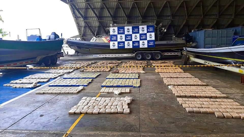 Cargamento de cocaína incautado a la bahía de Buenaventura