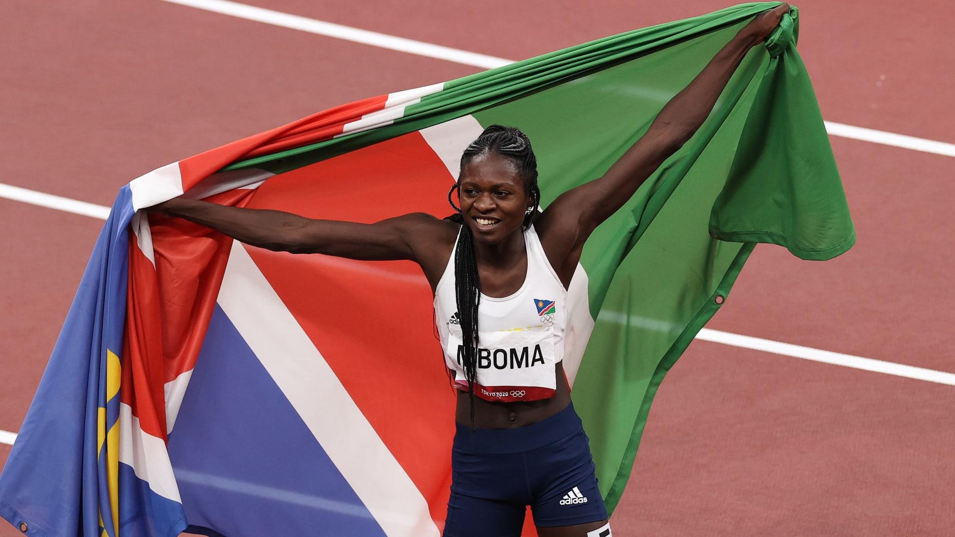 Christine Mboma de Namibia se lleva el título mundial Sub-20 de los 200 metros