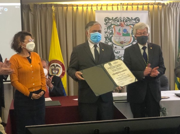 Docente nariñense Braulio Insuaty, destacado como uno de los mejores científicos del país