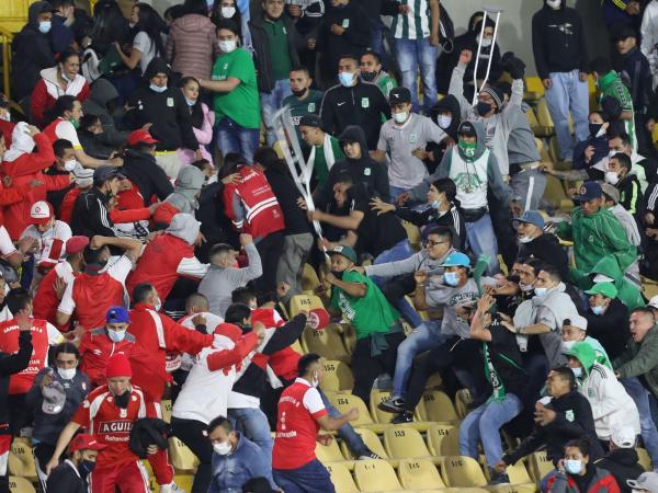 El Campín: Bogotá cierra estadios tras pelea entre hinchas de Santa Fe y Nacional   Gobierno   Economía